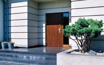 Wejście do domu na miarę XXI wieku: jak zaplanować efektowną strefę wejścia