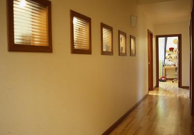 Oświetlenie przedpokoju, schodów, holu, korytarza. Światło na rzecz bezpieczeństwa na domowych ścieżkach