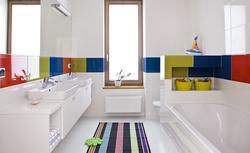 Jakie płytki do kuchni i łazienki? Właściwości ceramicznych płytek podłogowych