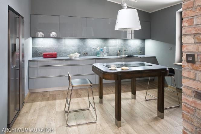 Szara kuchnia nowoczesna i elegancka Zobacz aranżacje kuchni w szarym kolorz   -> Kuchnia Kremowa Z Szarym Blatem