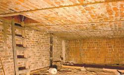 Przed zagospodarowaniem strychu. Remont podłogi w starym domu
