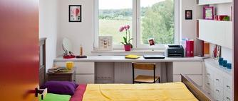 Pomysł na małą sypialnię. Jak urządzić wnętrze na niewielkim metrażu?