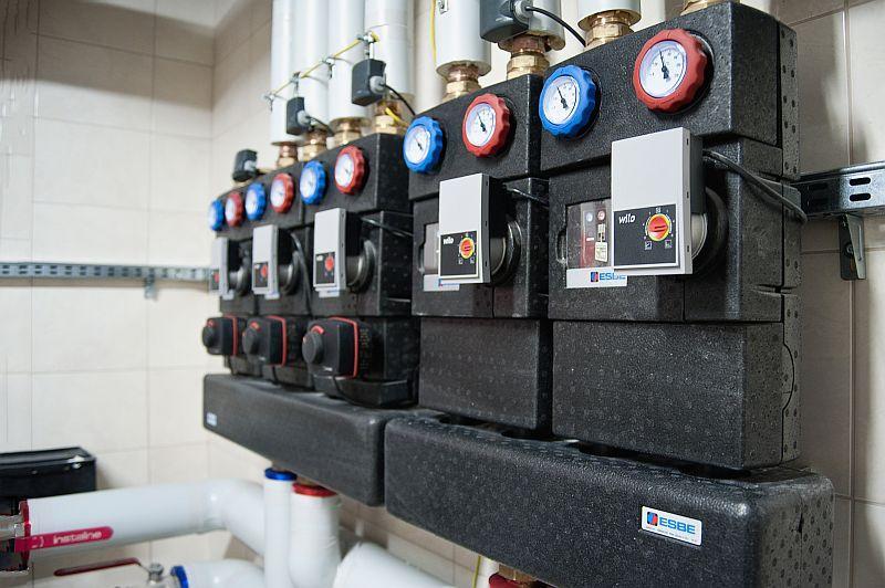 Usprawnienie instalacji ogrzewania gazowego – zastosowanie grup pompowych