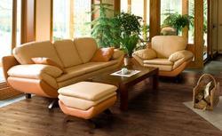 Podłogi drewniane. Co wybrać: parkiet, deski, korek?