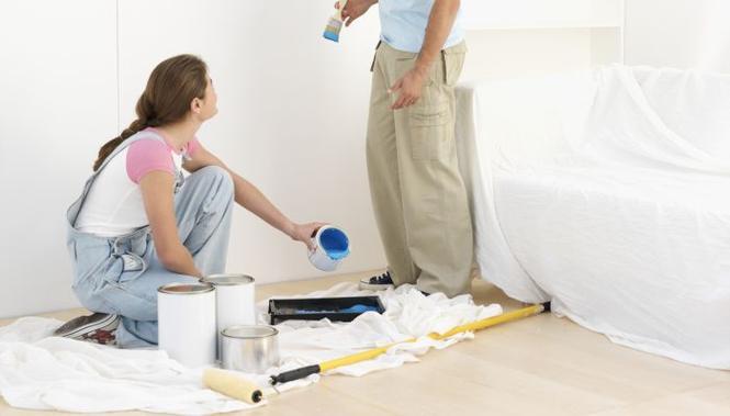 Kiedy tynkować, malować, kłaść podłogę? Właściwa kolejność prac wykończeniowych