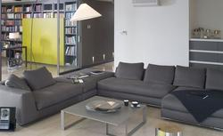Oświetlenie domu: lampy podłogowe, lampy stołowe, kinkiety