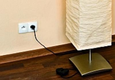 Gniazdko elektryczne może przenieść nie tylko elektryk. Oto rzetelny poradnik